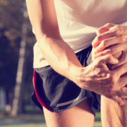 Co sugerują trzaski w kolanie?